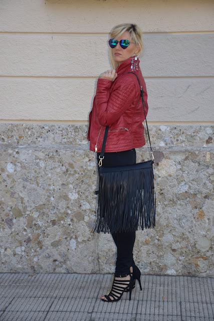 outfit borsa con frange come abbinare la borsa con frange outfit hippy outfit rock