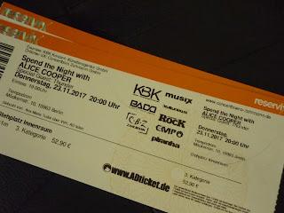 poza cu concertul Alice Cooper de la Berlin din noiembrie 2017