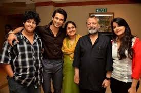 Supriya Pathak Family Husband Son Daughter Father Mother Age Height Biography Profile Wedding Photos
