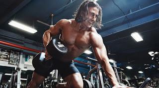 exercícios futebol musculação benefícios faz mal