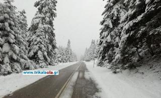 Κατάλευκα τα Τρίκαλα: Στους 80 πόντους το χιόνι
