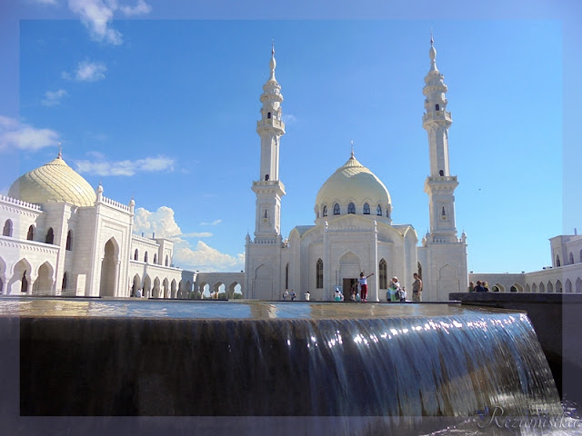 Белая мечеть передний план