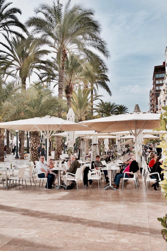 Alicante zwiedzanie, Przewodnik Alicante, Alicante zwiedzanie, Hiszpania, Alicante zabytki, Alicante Costa Blanca, Alicante atrakcje, Alicante gdzie jeść, Podróże, Explanada Espana, Alicante plaże