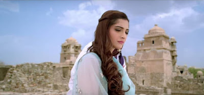 sonam-nice-pic-in-movie-prem-ratan