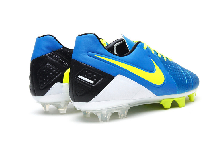 Completing this Nike CTR360 Maestri III ACC FG Blue Volt Blk boot is a  rigid TPU soleplate housing moulded studs for performance on dry and firm  ground ... 2898c09f9