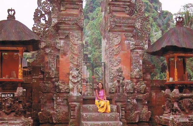 Macarena en Bali (2004)