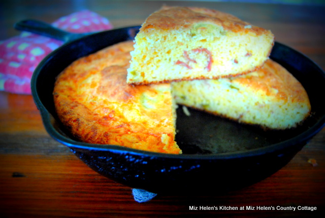 Cheesy Jalapeno Bacon Cornbread