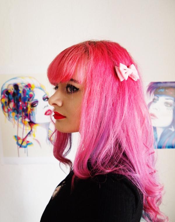 Lucia Clara, Selfie, pinke Haare, bunt