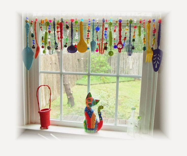 HOB NOBBERS: CREATIVE DIY WINDOW TREATMENTS