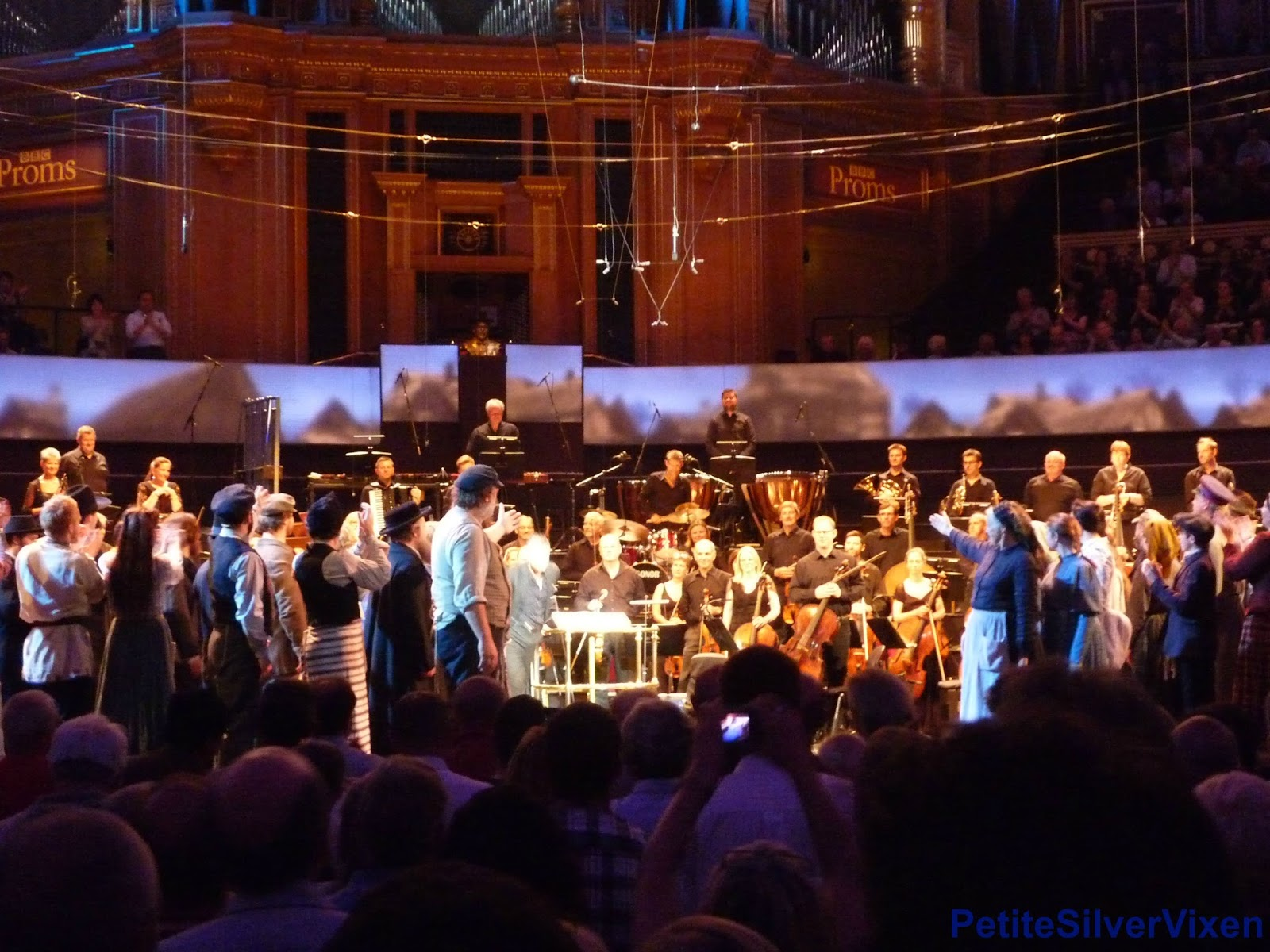 Bryn Terfel & Cast applaud BBC Concert Orchestra | PetiteSilverVixen