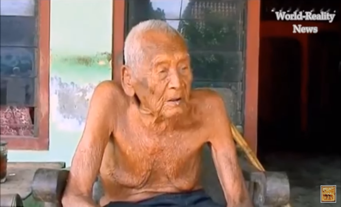 Mbah Gotho, o homem mais velho do mundo com 145 anos
