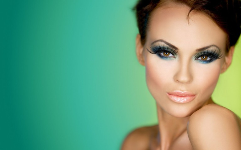 10 Cool Makeup Trends - Motivational Trends
