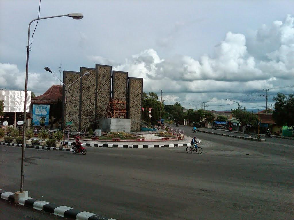 Monumen Alat Tenun Bukan Mesin di Klaten