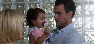 Malhação - Toda Forma de Amar: Nina é internada em estado grave, e Lígia e Joaquim se desesperam