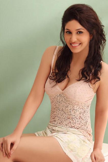 Stunning Model Photo, India Model Pic, Charming Model Pic