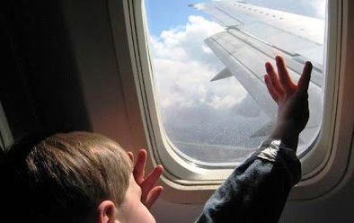 Kenapa Pramugari Melarang Menutup Jendela saat Take Off dan landing , Berikut Alasannya