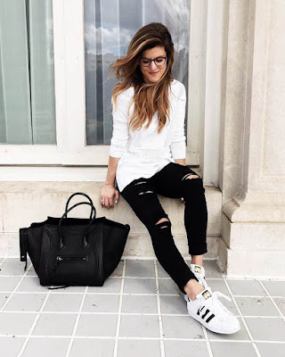 Outfits with casual black jeans