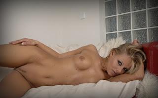 Horny and twerking - Mia%2BStone-S01-024.jpg