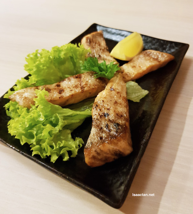 Toro Salmon Shio (Grilled Salmon Belly) - RM22
