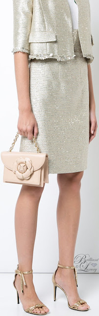 Brilliant Luxury ♦ Oscar de la Renta Gardenia nude leather clutch bag