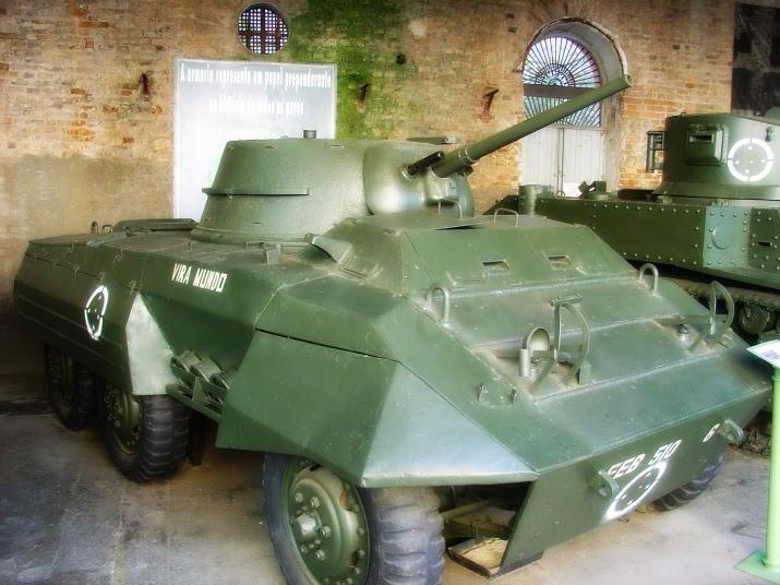 Carro de Reconhecimento M8, no Museu do Comando Militar do Sul, em Porto Alegre