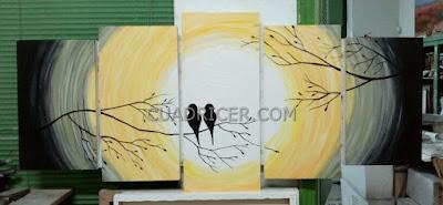 http://www.cuadricer.com/cuadros-pintados-a-mano-por-temas/cuadros-animales/aereos/cuadros-pajaros-rama-arbol-atardecer-amor-love-2151-amarillo-circulo-fondo.html