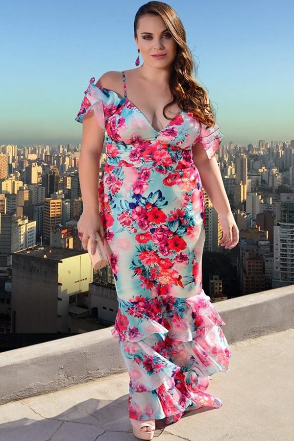 vestido de festa estampado plus size
