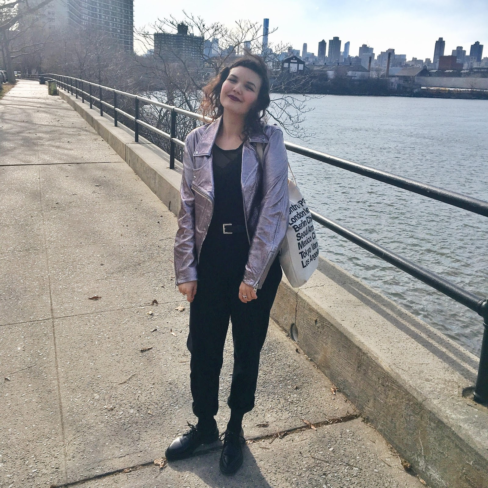 Astoria park, new york city, queens, mcq by alexander mcqueen gun metal leather biker jacket metallic finish, american apparel classic tote bag, brunette, fashion blogger, personal style blogger, brooklyn is burning
