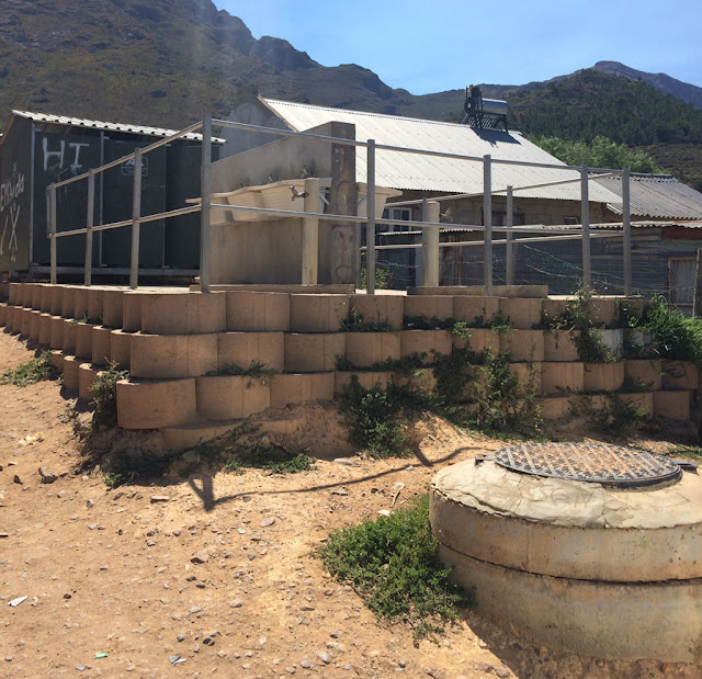 Image Attribute: A public ablution block, installed and owned by the municipality. Copyright: Lauren Hermanus.