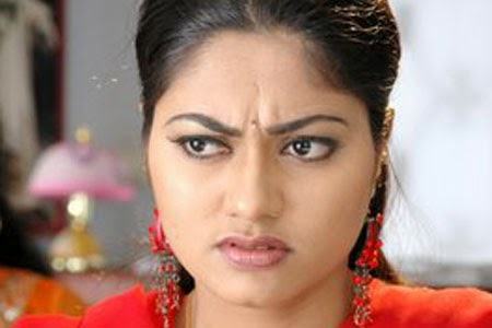 Hot Aunty Suhasini Looking Something Angry Hot Aunties Girls