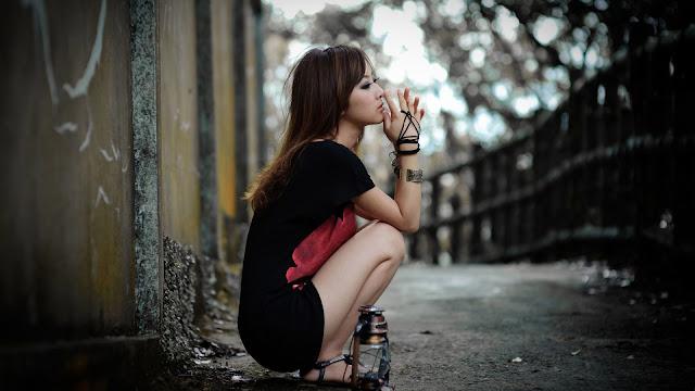 Hermosa Chica Triste