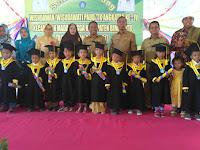 Kadis Dikpora Hadiri Prosesi Wisuda 171 Anak TK/PAUD se-Kecamatan Madapangga