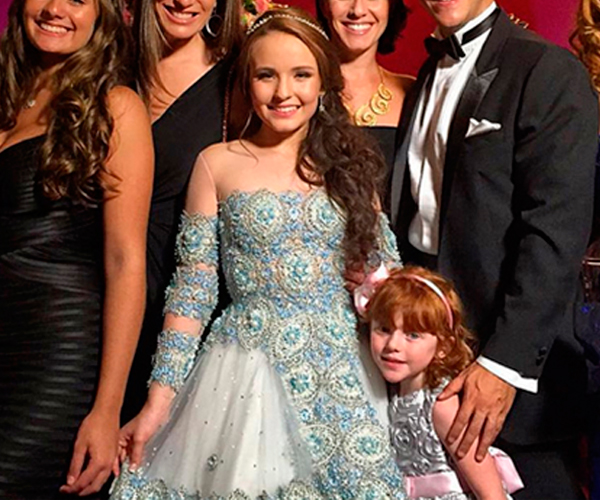 Larissa Manoela, Vestido de debutante, festa 15 anos, vestido azul