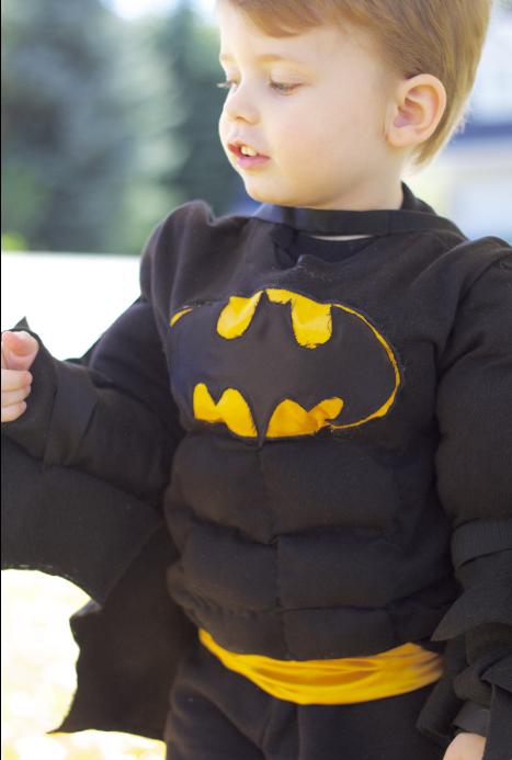DIY Superhero Muscle Shirt/ DIY Batman Costume  sc 1 st  Do It Yourself Divas & do it yourself as: DIY: Superhero Muscle Shirt/ DIY Batman Costume