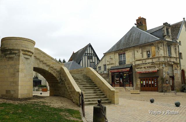 Escaleras del castillo y casas de Langeais, Francia