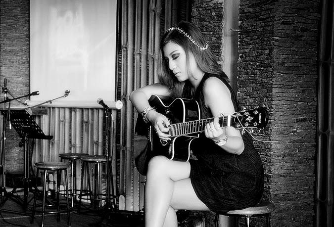tips belajar memainkan gitar