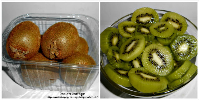 How to peel kiwi fruits