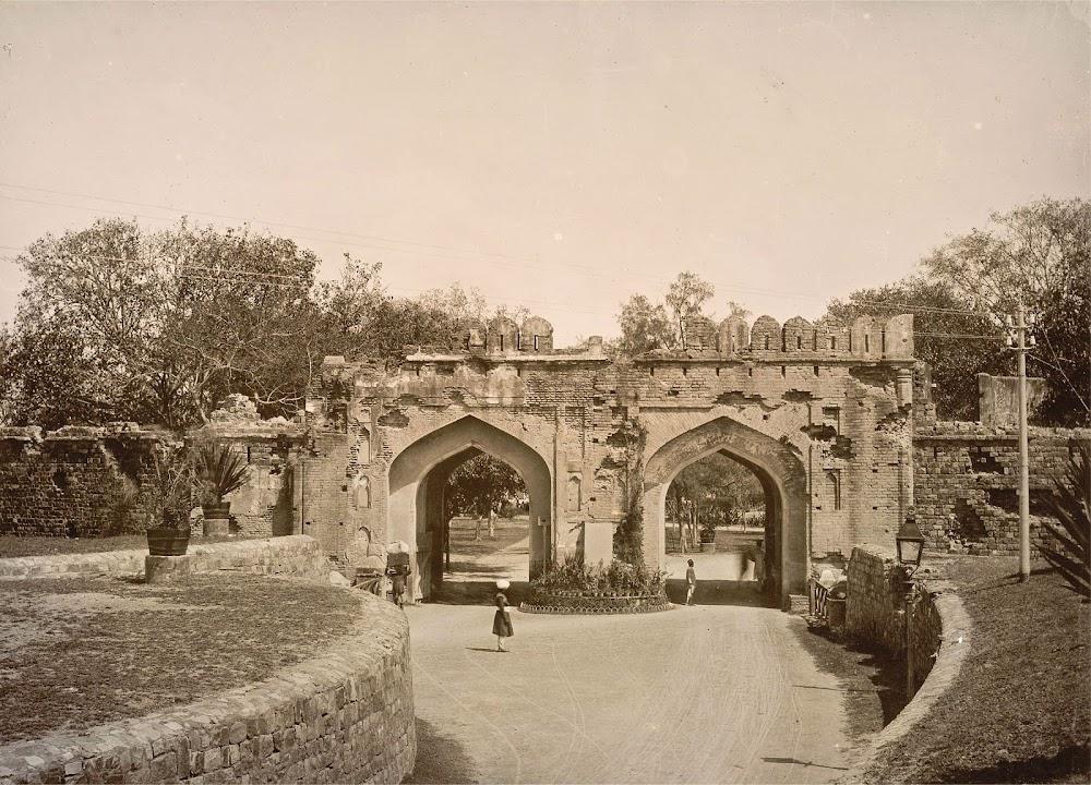 The Kashmiri Gate, Delhi - 1895