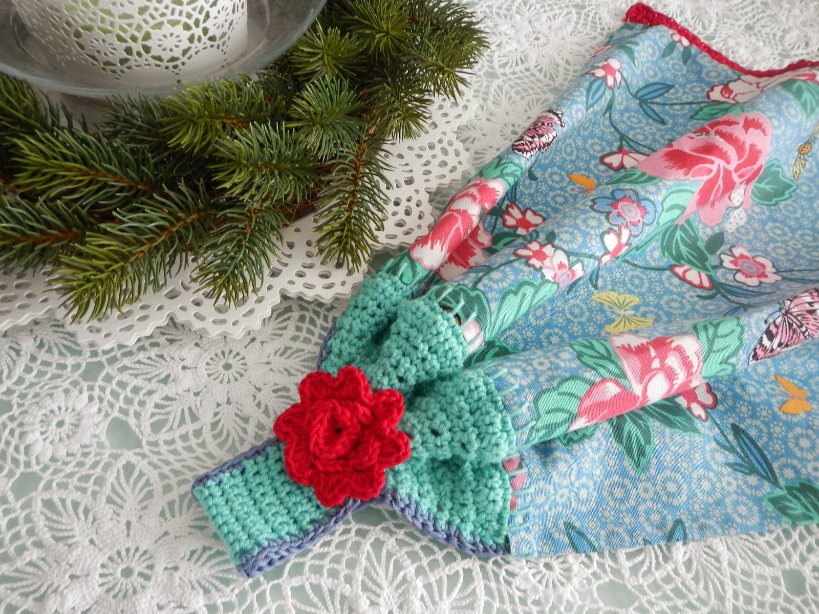 Apple Blossom Dreams Towel Topper Pattern Published