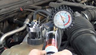 Pemeriksaan kebocoran air pendingin radiator