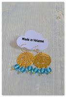 boucles d'oreilles estampes dorées et perles bleues