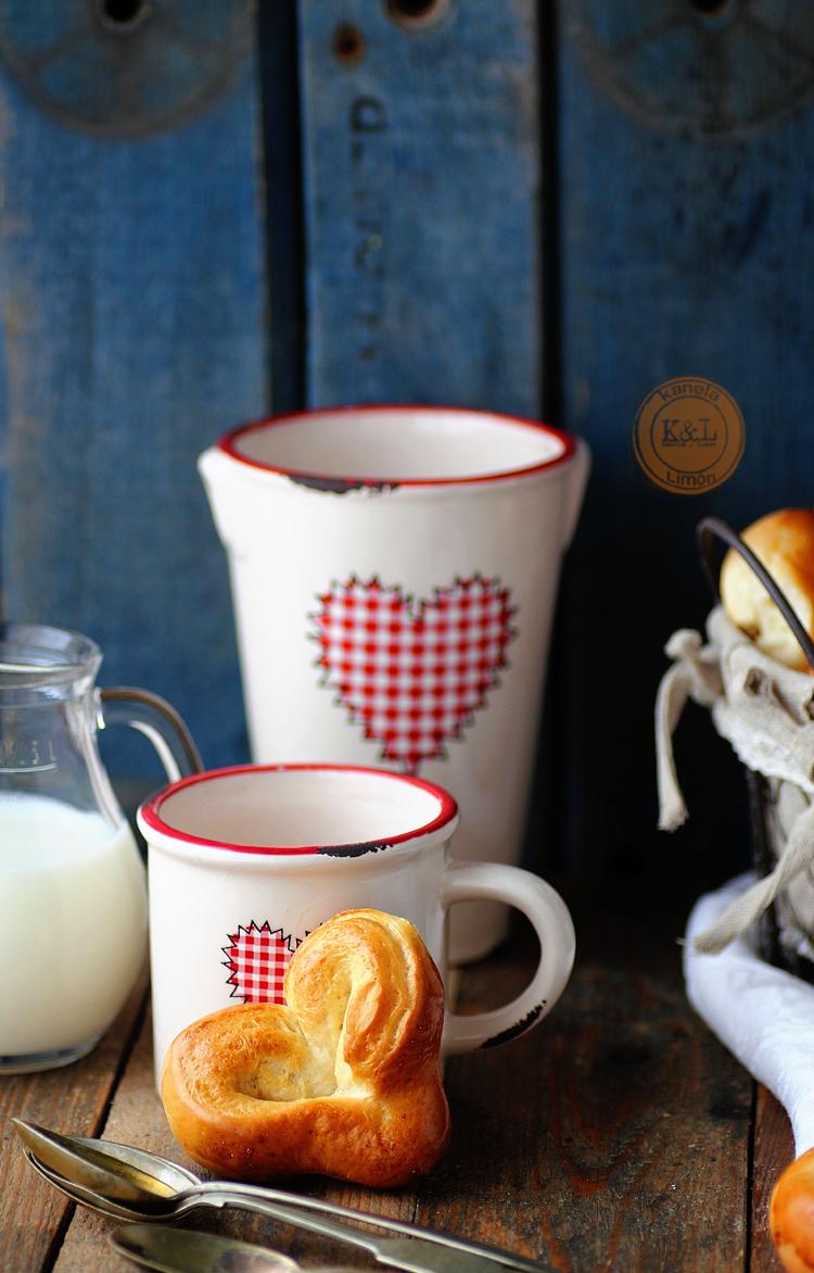 http://kanelaylimon.blogspot.com.es/2013/02/corazones-de-pan-de-leche-san-valentin.html
