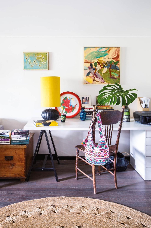 Culori vesele i o amenajare eclectic n casa unei for Al saffar interior decoration l l c