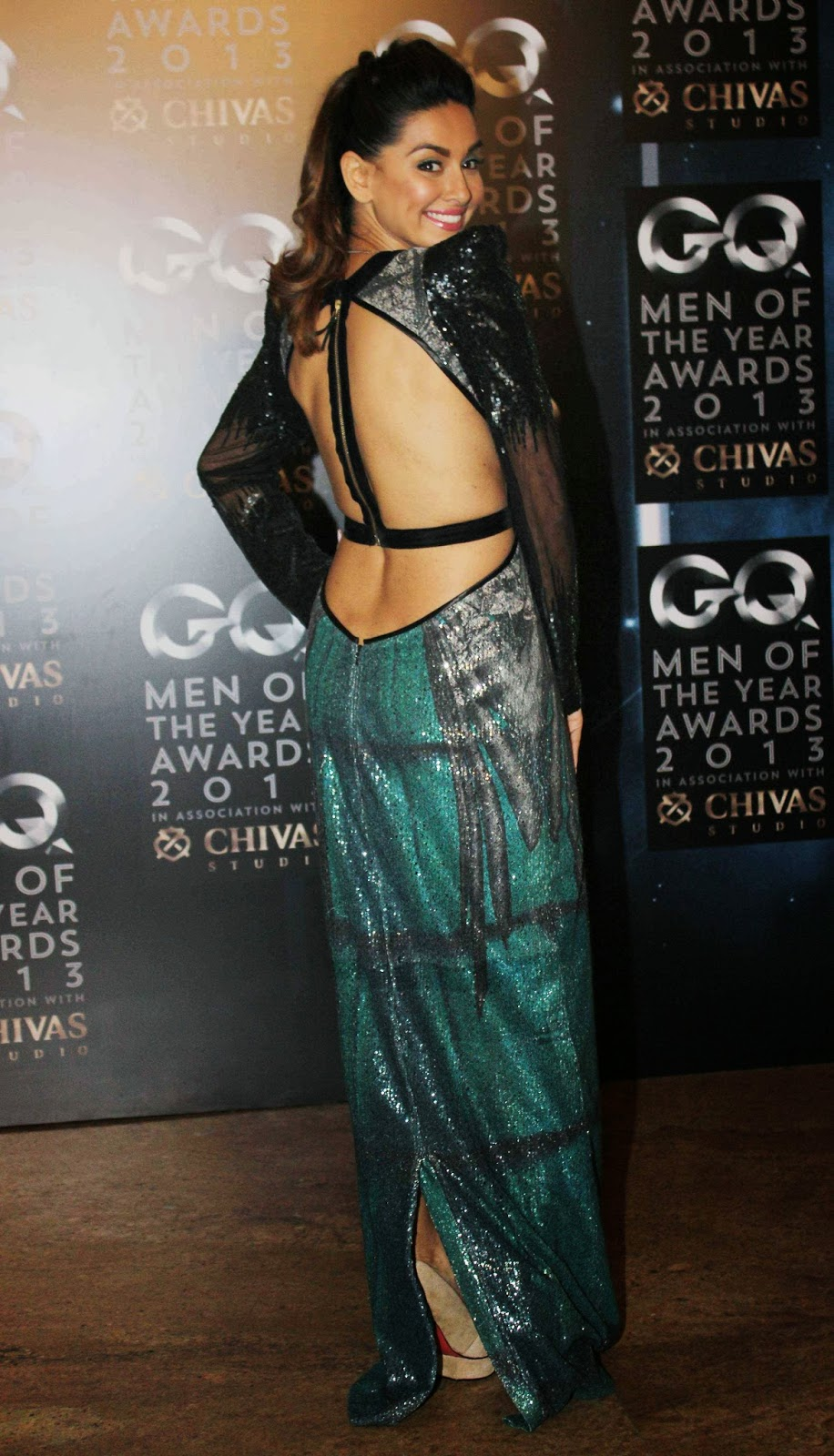 High Quality Bollywood Celebrity Pictures: Evelyn Sharma