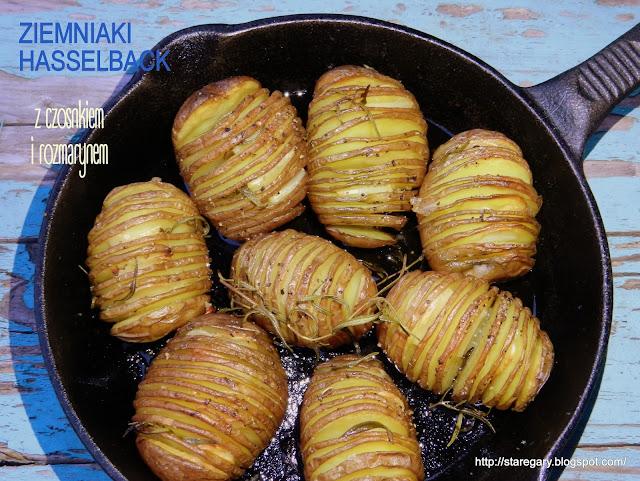 Ziemniaki Hasselback z czosnkiem i rozmarynem