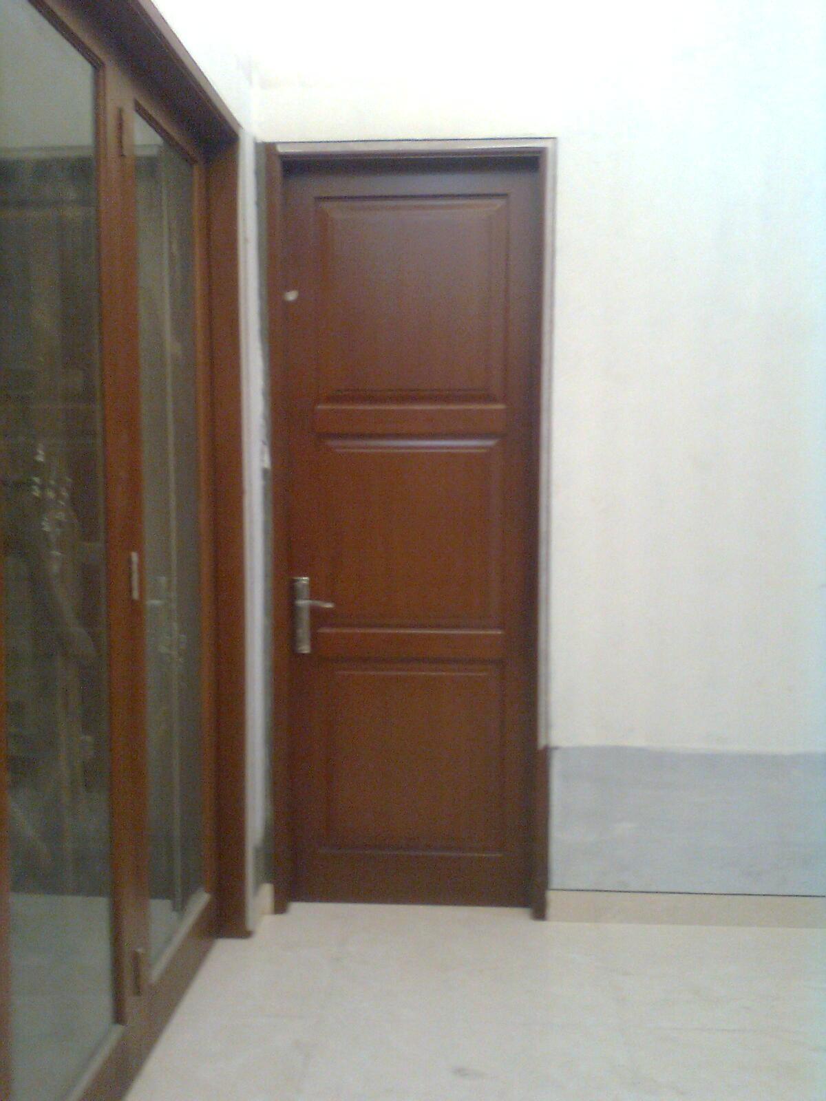 Pintu Panil Solid Pintu Semi Klasik Bahan Kayu Kamper Samarinda