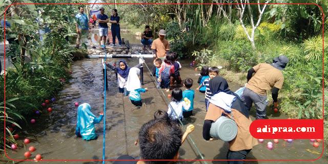 Bermain air di Kampung Flory | adipraa.com