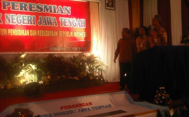 Peresmian SMKN Jawa Tengah oleh Mendikbud, M Nuh dan Gubernur Jawa Tengah Ganjar Pranowo, 2 Juni 2014.