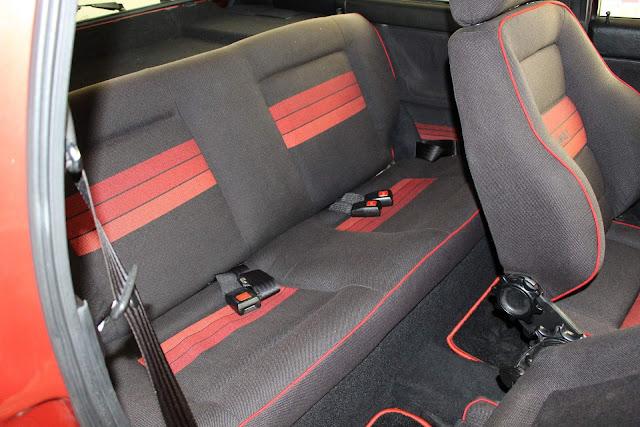 VW Gol GTS 1990 - espaço traseiro