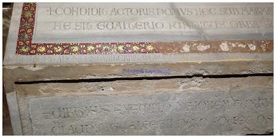Cripta nel duomo di Palermo con sarcofagi romani riusati